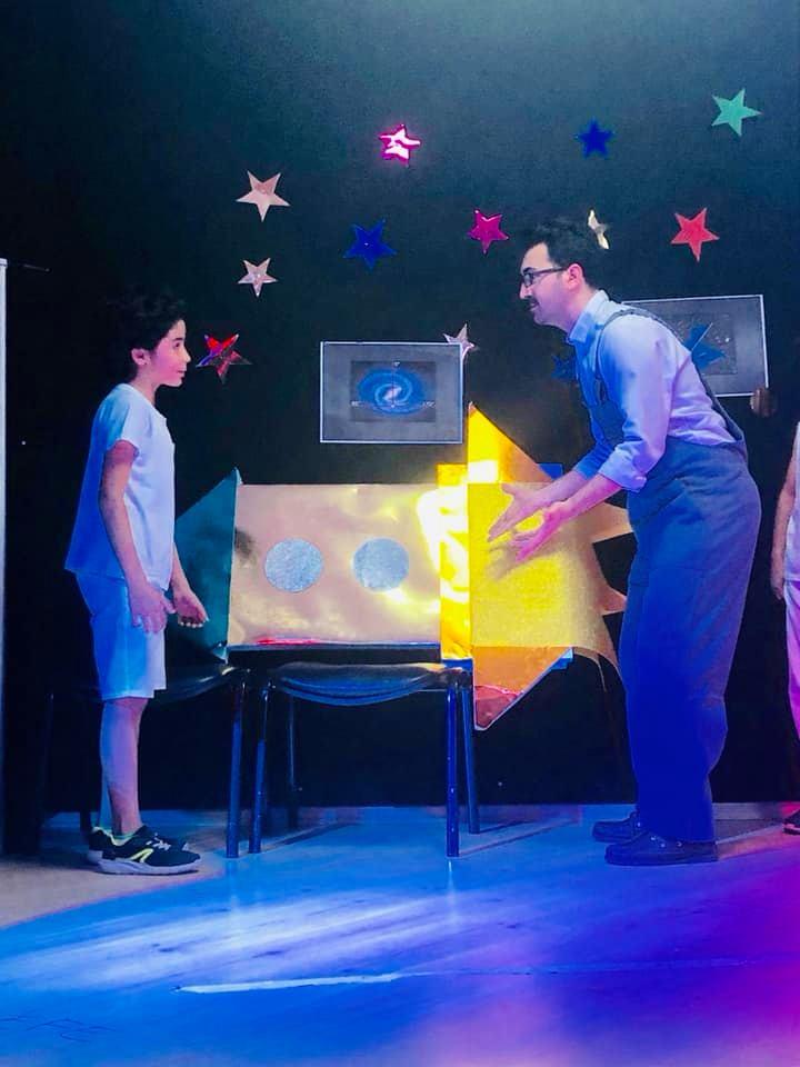 """3. Sınıf Öğrencilerimizden """"Uzay Maceramız"""" Adlı Tiyatro Gösterisi"""
